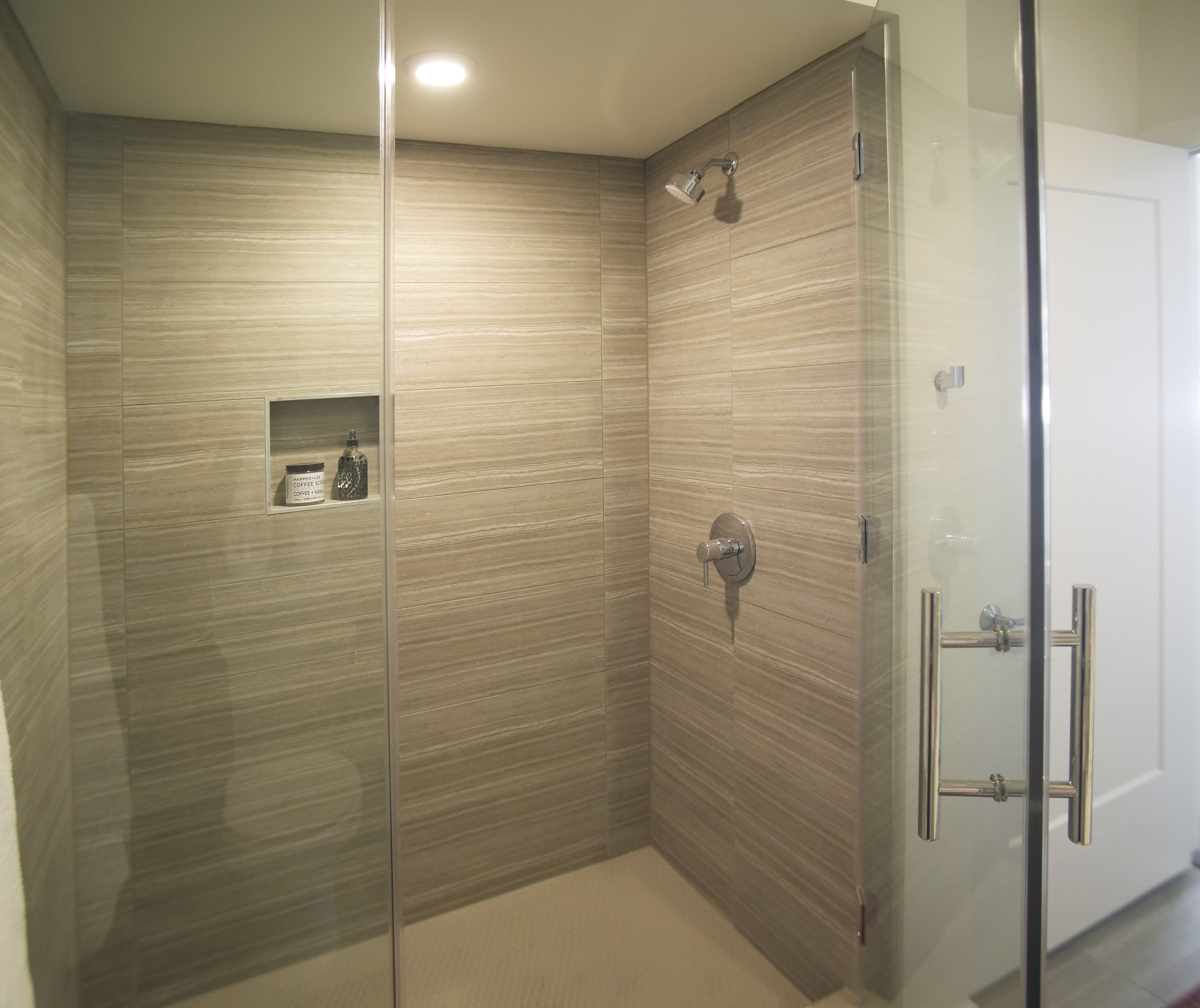 Spur 16 Apartments are furnished with spacious and luxurious showers.